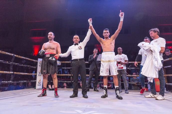 Aleksandar Kuvac (L) vs Malik Zinad (W)